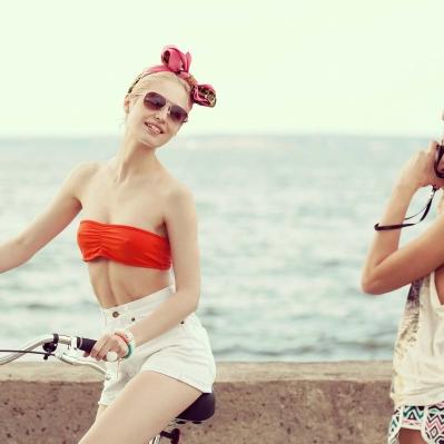 red-bra-cyclist